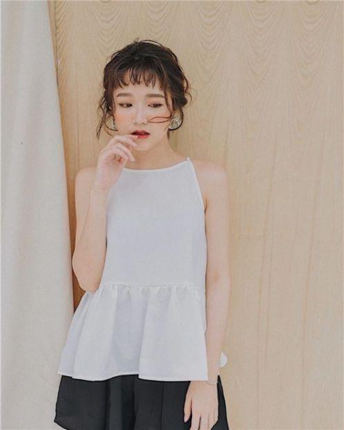 Bạn đã bao giờ buộc cao kiểu tóc ngắn đẹp như cô gái Hàn Quốc sành điệu này. Trông thật thu hút, xinh xắn và trẻ trung đúng không nào?