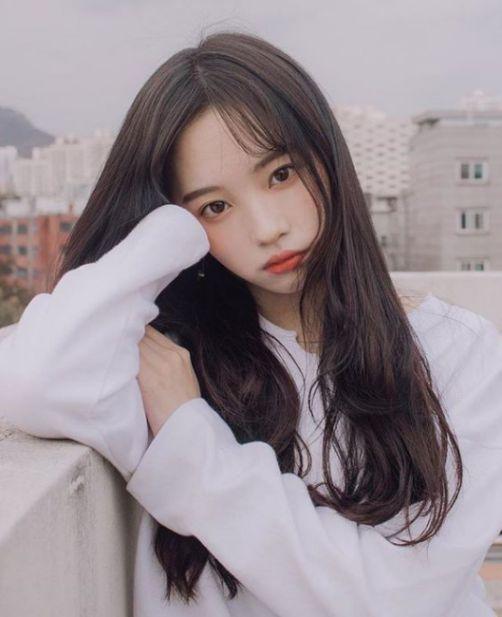 Bật mí các hình ảnh kiểu tóc cụp đuôi được uốn nhẹ đẹp nhất hiện nay. Đốn tim nhiều Hot Girl nổi tiếng tại nước Hàn Quốc.