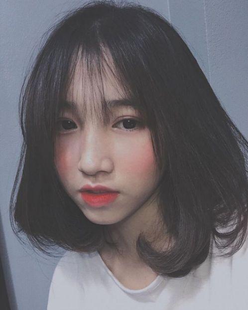 Giới thiệu hình ảnh tóc ngang vai uốn hình chữ Cđẹp mang thượng hiệu Việt, phong cách được các bạn trẻ yêu thích nhất trong năm 2019.