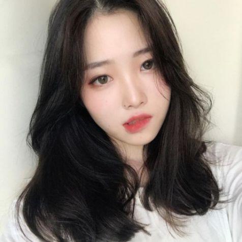 Tóc mái dài phong cách Hàn Quốc đẹp duyên dáng và quyến rũ cho nữ - Hình ảnh số 2