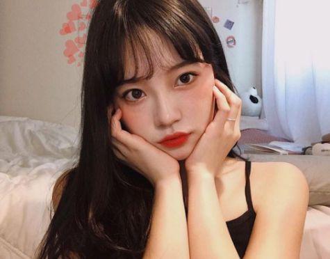 Kiểu tóc mái thưa phong cách Hàn Quốc giúp phái nữ tôn vinh nhan sắc - Hình ảnh số 1
