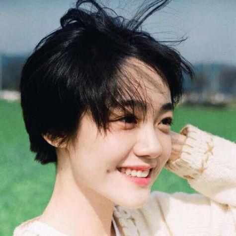 Phong cách tạo kiểu tóc tém Hàn Quốc đẹp nữ tính và xinh xắn cho phái nữ - Hình ảnh số 2