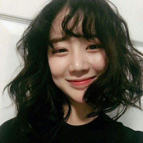Tóc uốn xoăn đuôi đang nắm bắt xu hướng Hàn Quốc, làm nhiều chị em phụ nữ thích thú - Hình ảnh số 2