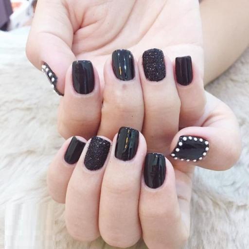 Mẫu Nail màu đen đẹp nhất hiện nay