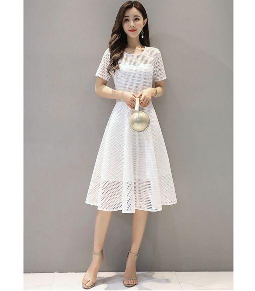 Xu hướng thời trang mẫu đầm dự tiệc màu trắng đẹp nhất