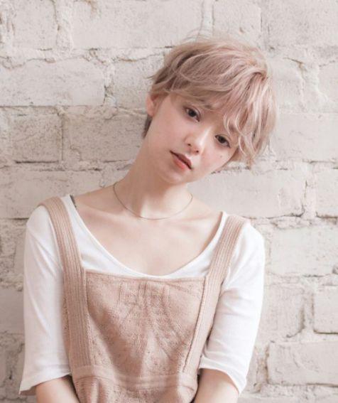 Tóc mái ngắn cho nữ đẹp như Nhật Bản, phù hợp nhiều khuôn mặt khác nhau. Giúp diện mạo hài hòa và che các khuyết điểm cực tốt.
