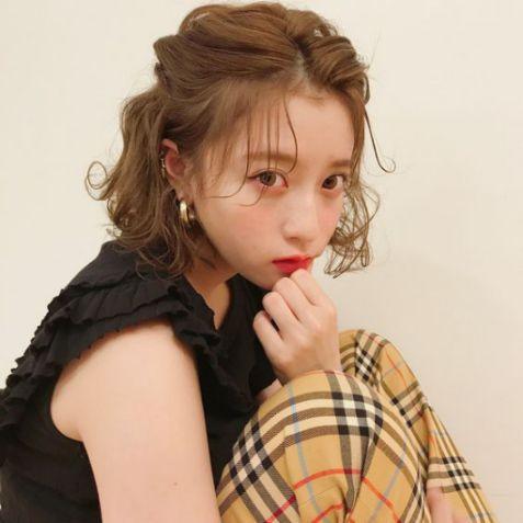 Bộ sưu tập tóc ngắn Nhật Bản mang đến nét nữ tính và sự dễ thương cho các bạn nữ. Tóc đẹp đang thịnh hành nhất tại xứ hoa anh đào.