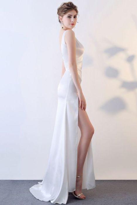 Phong cách thời trang váy đầm dạ hội trắng đẹp - Mẫu 5