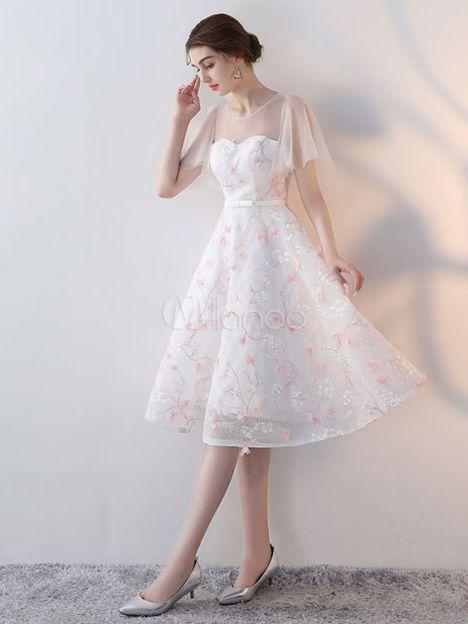 Chiếc đầm dạ hội màu trắng dáng ngắn trẻ trung năng động - Mẫu 4