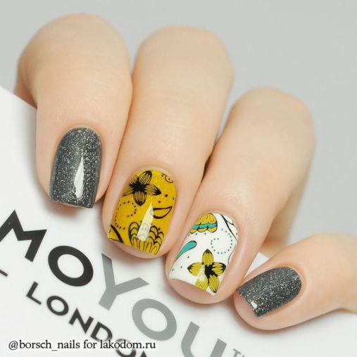 Ý tưởng Nail màu vàng với những bông hoa