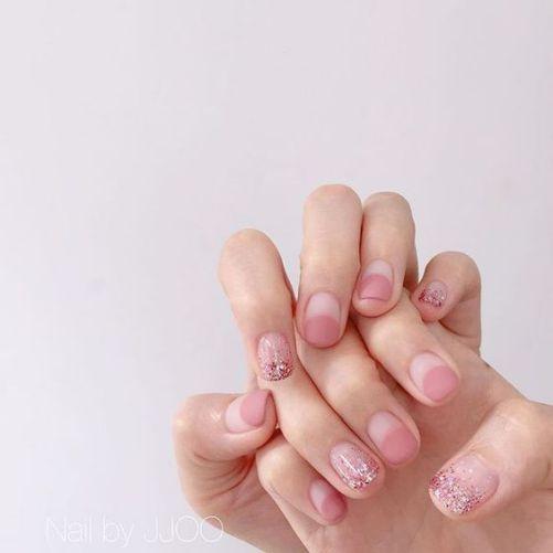 Những mẫu nail xinh đơn giản mà đẹp - Hình 3
