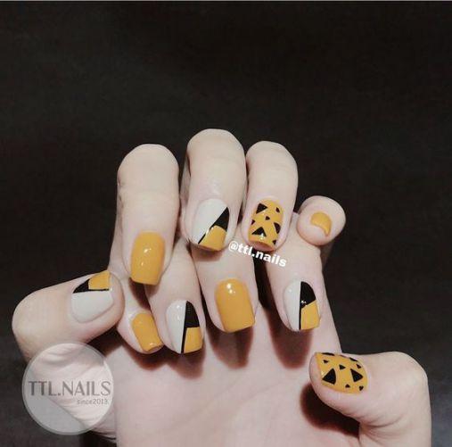 BST các mẫu nail xinh màu vàng hot nhất hiện nay - Hình 1