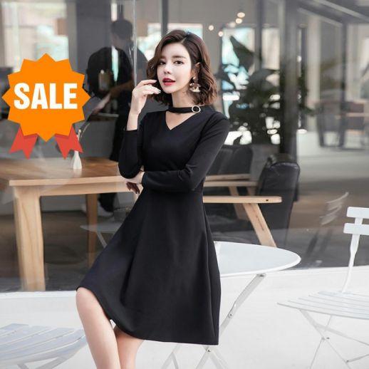 Những mẫu Đầm công sở xòe màu đen quý phái - Hình 1