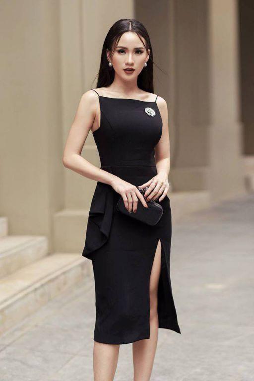 Thời trang kiểu đầm ôm xẻ tà đẹp