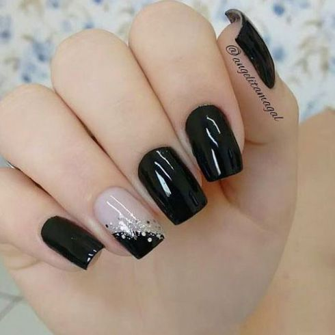 Kiểu móng tay màu đen thích hợp với người cá tính mạnh - Hình 3