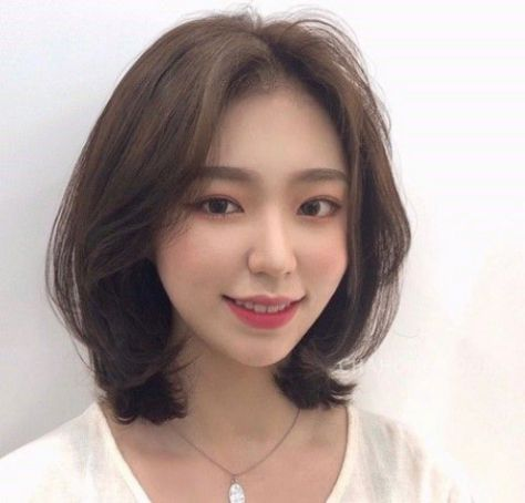 Tóc nữ layer ngang vai đẹp nhất mang đến sự trẻ trung - số 1
