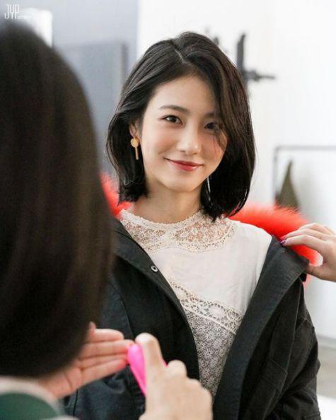 Tóc nữ layer ngang vai đẹp nhất mang đến sự trẻ trung - số 2