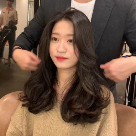 Tóc nữ layer uốn đẹp nhất cho nàng thay đổi diện mạo - Số 2