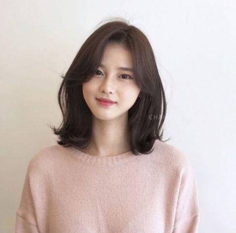 Tổng hợp các cách tạo mẫu tóc layer mái ngắn cho nữ đẹp dịu dàng, xinh xắn và quyến rũ nhất hình ảnh số 3