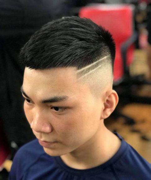 Xu hướng tạo kiểu tóc Mohican đẹp nhất đang lên ngôi dành cho các bạn nam - Hình ảnh số 1