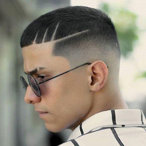 Xu hướng tạo kiểu tóc Mohican đẹp nhất đang lên ngôi dành cho các bạn nam - Hình ảnh số 2