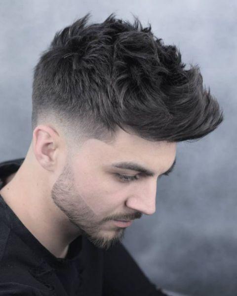 Ý tưởng tạo mẫu tóc mohican dựng đẹp tạo ra nhiều trào lưu thịnh hành mới nhất cho nam - Hình ảnh số 1