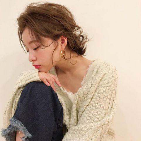 Xu hướng mẫu tóc ngắn buộc đẹp thay đổi diện mạo mới nhất cho nữ - Hình ảnh số 1