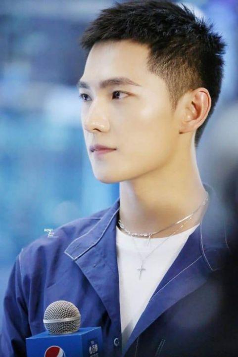 Hình ảnh tóc ngắn cho nam đẹp phong cách Hàn Quốc