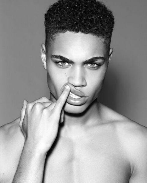 Xu hướng tạo kiểu tóc premlock afro kẻ vạch đẹp cuốn hút người xem - Hình ảnh số 2