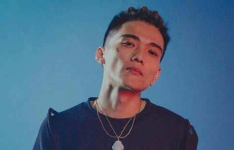 Phong cách thời trang tóc premlock cực ngầu và phá cách của nam rapper Koo được nhiều người mến mộ trong giới underground