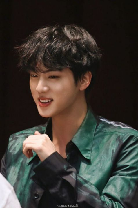 Xu hướng tóc uốn phong cách Hàn Quốc đẹp nhất cho nam giới sành điệu - Hình ảnh số 2