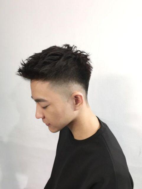 Bật mí các chàng trai cá tính những mẫu tóc layer uốn đẹp mới nhất không bao giờ lỗi xu hướng - Hình ảnh số 3