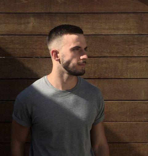Phong cách tóc 3 phân quân đội ngắn thể hiện sự mạnh mẽ cánh mày râu nam giới - Hình ảnh số 4